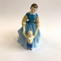 Фигурка First Steps, Royal Doulton, № 2242, 1958 г., Англия